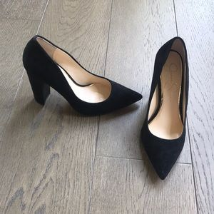 Black Jessica Simpson Heel !!